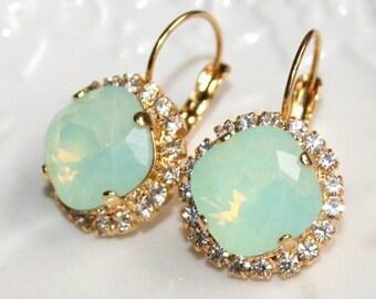 Mint Opal Earrings,Mint Green Earrings,Rhinestone Swarovski Earrings,Seafoam Earrings,Chrysolite Opal Bridal Earrings,Boucles d'oreilles