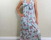1970s Maxi Dress .... Vintage 70s  Floral Maxi Dress .. Size Small to Medium