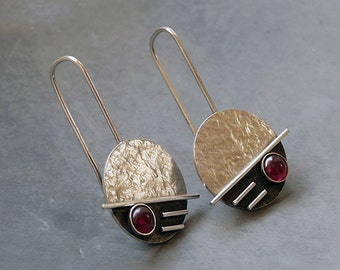 Silver earrings with garnet. Sterling silver earrings. Drop earrings. Garnet earrings. Silver jewellery. Handmade. MADE TO ORDER.
