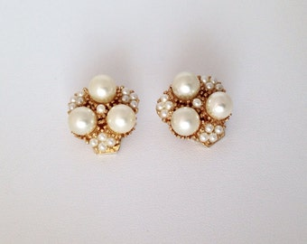 Gorgeous Faux Pearl & Seed Pearl Gold Vintage Clip On Earrings - Costume Jewelry - Cluster - white - gold - wedding - party