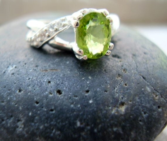 Tinkerbell Genuine Peridot Amp White Topaz Alternative