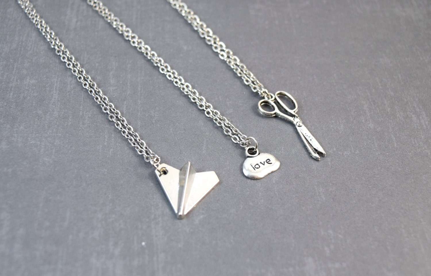 Top 10 Weird and Wonderful Friendship Necklaces I always wanted a friendship necklace, but it was always seen as something only girls share between each other so I never got one. But these days there is a lot more variety and even some that will satisfy any nerdy friendship no matter what sex they are.