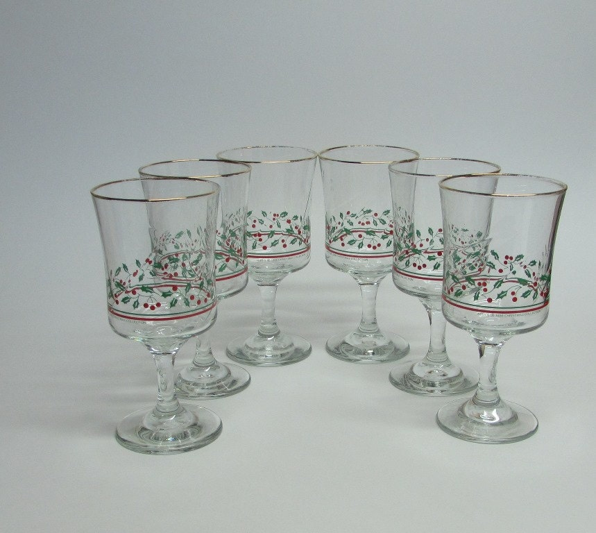 Arbys christmas glasses holly and berry by busyonblackwood for Holiday stemware