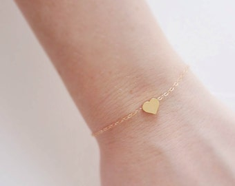 Delicate gold heart bracelet, Gold filled bracelet, Dainty gold bracelet, Simple jewelry, Small heart charm, Thin gold bracelet, Tiny heart