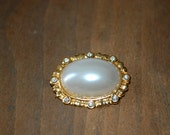 Pearl Brooch Pin Button ~ Faux Gold Tone Oval ~ Large Pearl and Faux Diamonds Rhinestones ~ Vintage Costume Jewelry