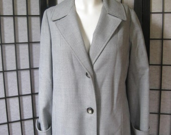Vintage 1950s 1960s Coat Grey Light Wool Blend 36 Bust Medium Petite Trench Style Single Breasted Jacket Sale Reduced