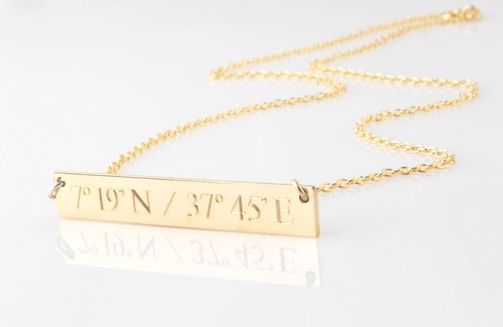 engraved horizontal gold bar nameplate necklace compass. Black Bedroom Furniture Sets. Home Design Ideas
