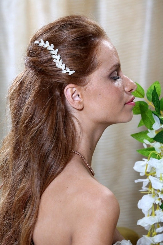 Bridal gold leaf hair comb. Ivory lace leaves decorated with ivory pearl leaves. Grecian headpiece.