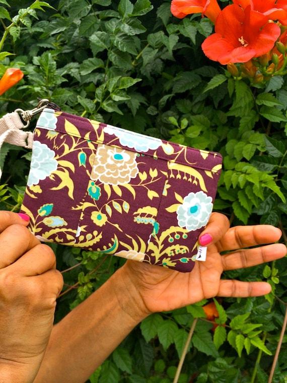 Wristlet - Floral Mums Wristlet, Wristlet Wallet, Fabric Wallet, Smartphone Wristlet, Zipper Wallet, Wristlet Purse,