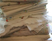 LOT Vintage Bedding Linens Lot. Sheets and pillowcases.