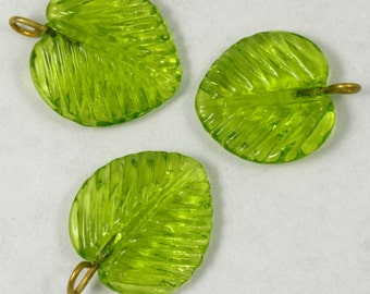 16mm Olivine Leaf Dangle #LEA006