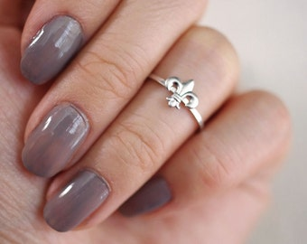 fleur de lis midi ring . fleur de lis jewelry . tiny fleur de lis ring . fleur de lis stacking ring . stackable fleur de lis ring // 4FLIS