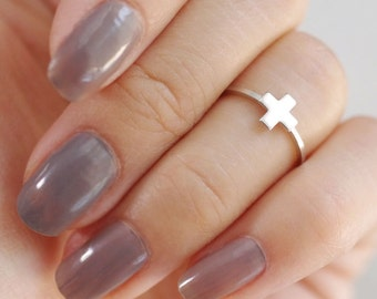 greek cross ring . cross midi ring . cross knuckle ring . simple cross ring . minimalist jewelry . swiss cross ring // 4GCRS