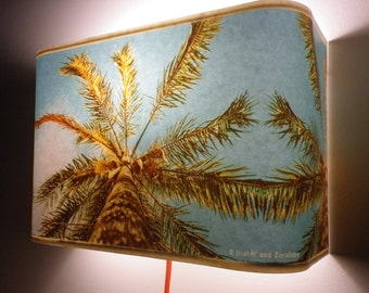 wall lamp with coconut tree