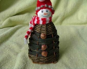 Florida Snowman Basket -- Wow it is woven like a basket