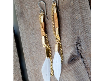 lovely day - white feather and brown leather earrings with gold colored chain