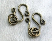 Two Antiqued Brass 'S' Clasps & Rings (14 gauge) Hammered Metalwork Jewelry Components (6pcs)