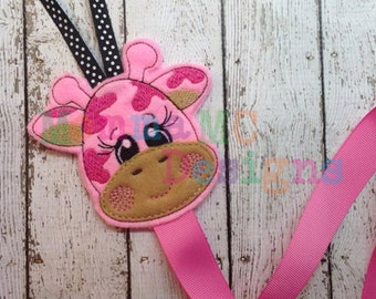 Giraffe Clippy Keeper Felt Embroidery Design