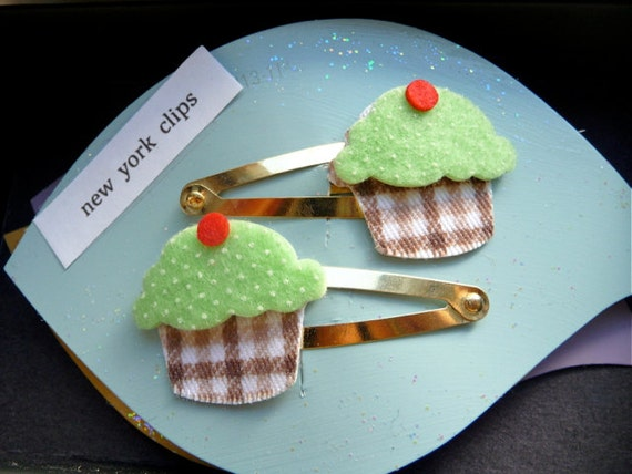 green cupcake hair clips