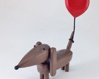 Doxie with heart balloon