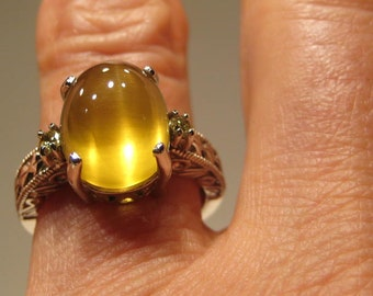 Natural Cat's Eye Helidore Beryl and Yellow Diamond ring .14 kt  White Gold . size 7 or size N 1/2 for my Uk Friends .............   e 704