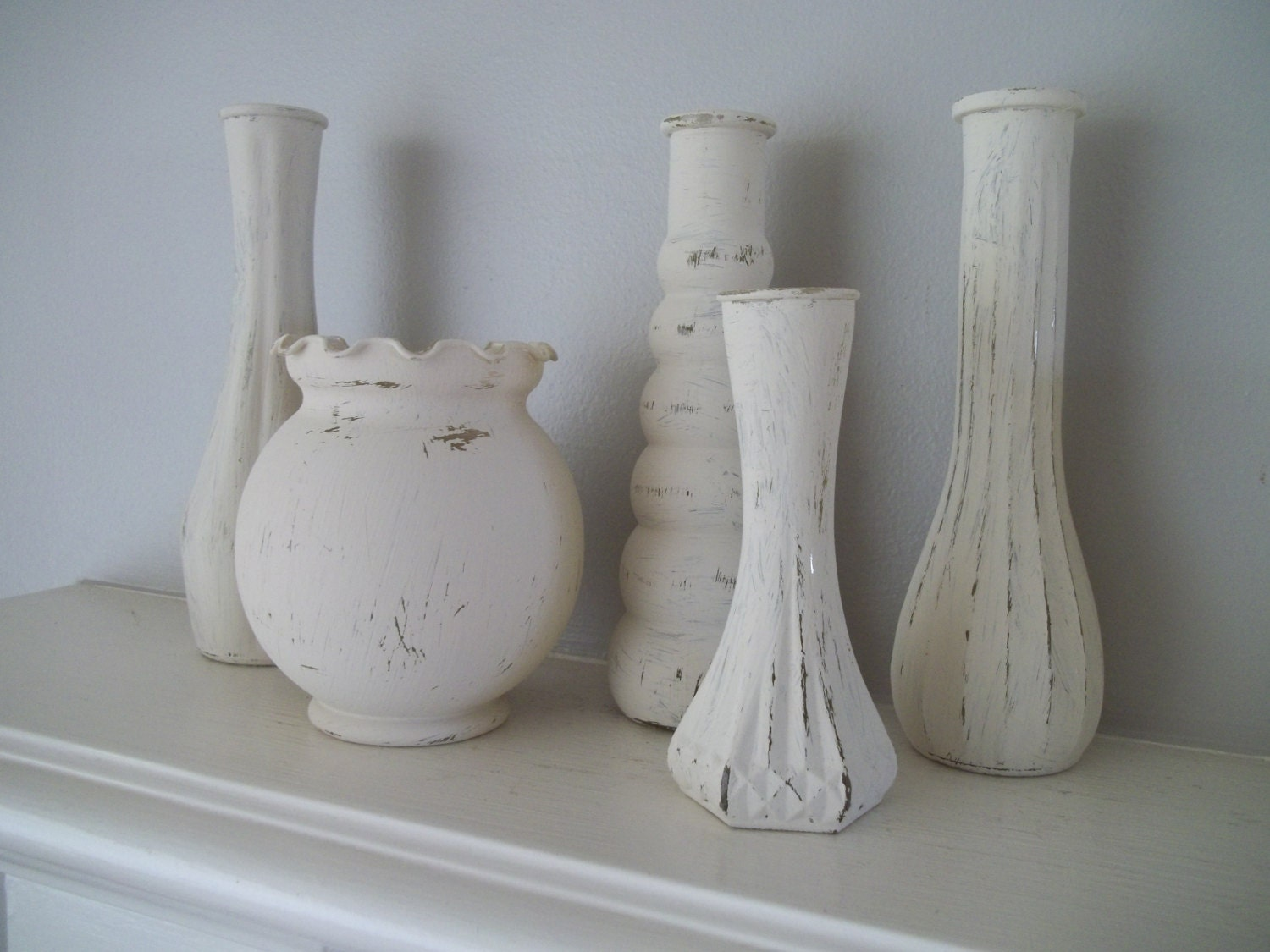 shabby chic painted vase set of 5 vintage white chalk paint. Black Bedroom Furniture Sets. Home Design Ideas