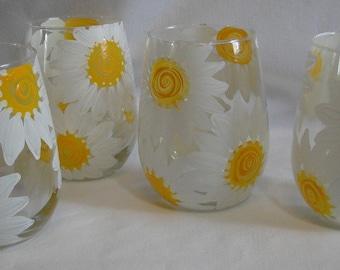 Stemless Daisy Wine Glasses
