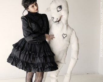 Gloomth Victoria Mourning Dress with Velvet Trim