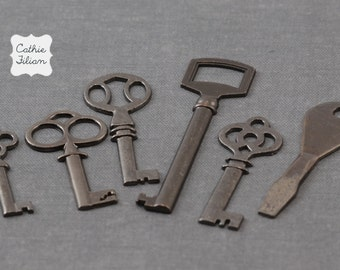 Keys - skeleton and antique style - set of 6 - Antique Silver -  Key Embellishment