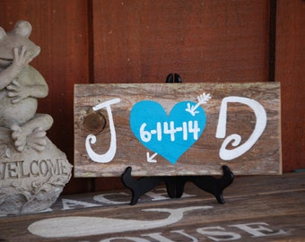 Wedding Gift Wedding Sign Customized Present Initials Bride and Groom Table Rustic Wedding Personalized Gift Wood 5th Year Anniversary