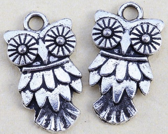 Four silver owl charms Halloween charm steampunk jewelry findings supplies  sew200 quantity 4