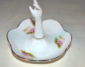 Vintage Porcelan Ring Holder