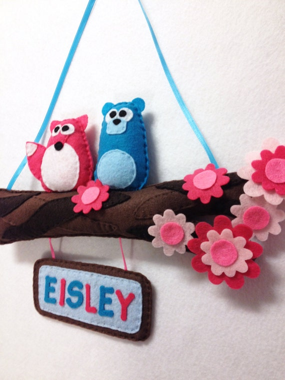Name Branch, Felt Name Plate, Door Hanging, Two Animals Sweet Petals - Custom Color and Name, Woodland Decoration, Nursery Decoration