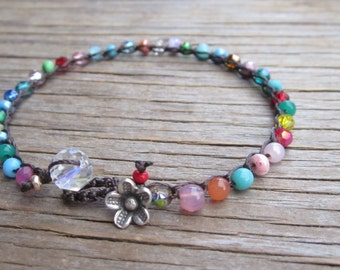 Simple little crocheted bracelet with gemstones and crystals, boho, natural, comfortable, easy wear, stacking, layering bracelet