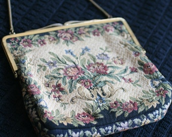 Vintage Tapestry Bag Floral motif with gold toned chain and clasp