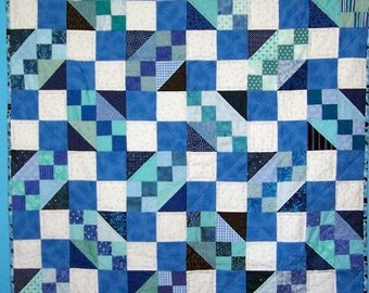 Baby quilt in blue