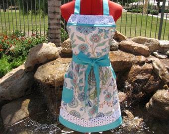 Leanika Jardin Sassy Apron, Retro Style with Daisy Eyelet Trim and Towel Loop, Womens Misses Sizes, Full, Kitchen, Retro