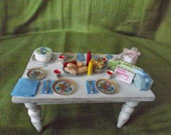 miniature birthday table scine