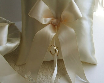 Handmade Wedding Ring Pillow SIMPLE BOW Ring Bearer, White Pillow, or, Ivory Pillow