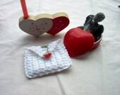 Rosebud Rosary Case Jewelry Pouch Coin Purse Gift Bag Crochet Thread Art New Handmade