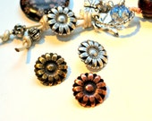 Set of 3 Ornate Flower Button 17mm in Antique Copper, Silver, Brass