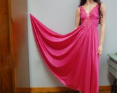 OLGA Long Nightgown Hot Pink, Sweeping Hemline, Plunging Neckline Vintage 70s L 10 Style 92270