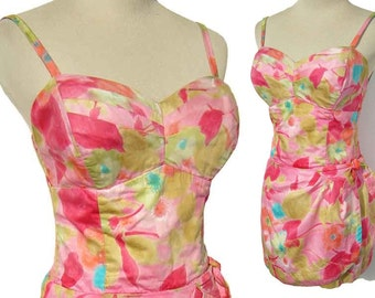 Vintage Bathing Suit Pink Sarong Romper Shelf Bust Hawaiian Rockabilly Swimsuit M