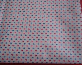 "Vintage Glazed Fabric - Tiny Red & Blue Flowers on Cream Ground - 43"" W x 43"" L"