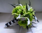 GREEN QUEEN Wedding Bouquet With Feather Accents