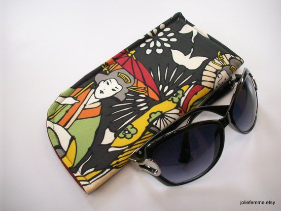Strolling in Kimonos with Parasols Japanese Ladies Slide in Sunglass Case Padded Protective Pouch