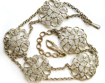 MOD Vintage Chain Link Belt with Large Floral Medallions - Funky - Seventies - Perfect for Tunic or Jumpsuit