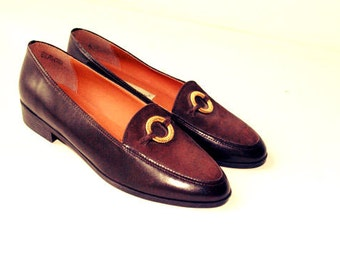 Luxurious vintage 80s  chocolate brown genuine leather flats, loafers. Made by Etienne Aigner. Size 7 1/2. Mint condition.