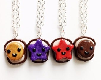 Amazoncouk friends necklaces Jewellery