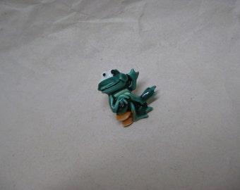 Frog Brooch Tie Tack Enamel Green Vintage Lapel Pin JJ